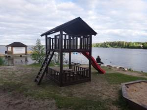Koka bērnu spēļu laukumi